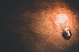 Light bulb moments: How to develop compelling ideas